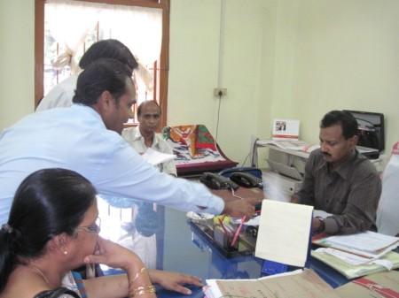 Demonstration demanding release of Akhil Gogoi in Silchar on 1 July, 2011 (7) Handing over the memorandum to Mr. SK Das, ADC